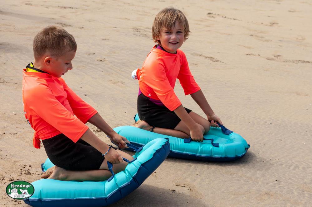 Enfants du HBSC testent les bodyboads Water Sport